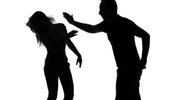 relationship-red-flags-women-should-watch-out-for