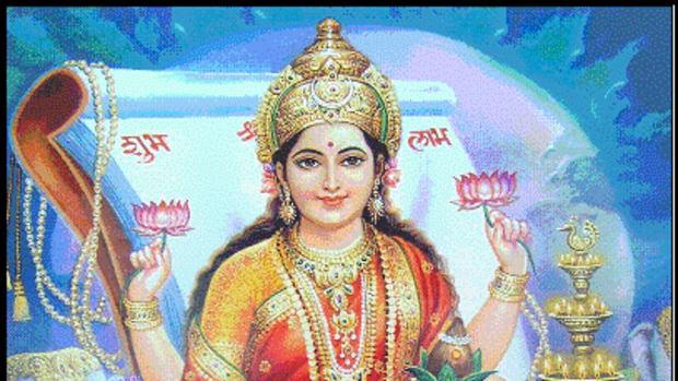 celebrating-varalakshmi-vratham-an-indian-festival