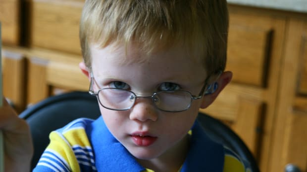 kids-glasses-choosing-eyeglasses-for-children