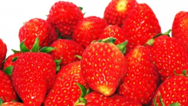 how-to-make-strawberry-scented-beauty-and-cosmetic-products