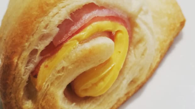crossiant-ham-and-cheese-roll-ups