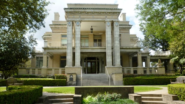 link-lee-mansion-historic-houston-landmark