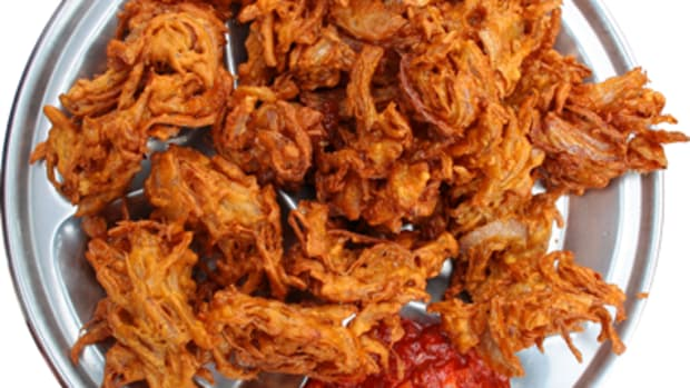 onion-bajji-recipe-how-to-make-onion-bhajji