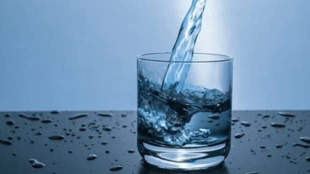 does-drinking-water-reduce-calories