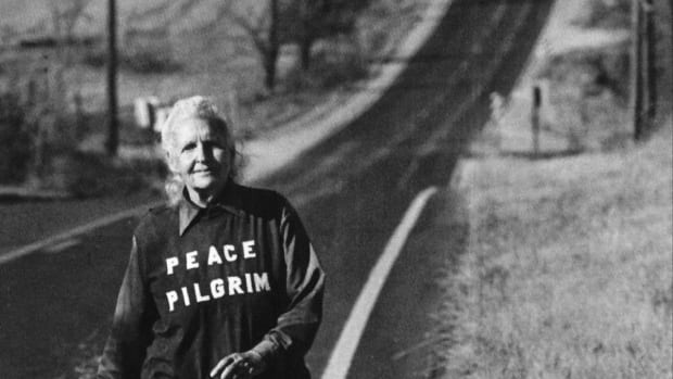 her-name-was-peace-pilgrim-she-walked-thousands-of-miles-in-north-america-to-promote-world-peace