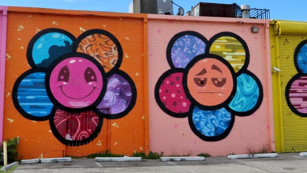 scott-tarbox-flower-mural-brightens-eado-houston