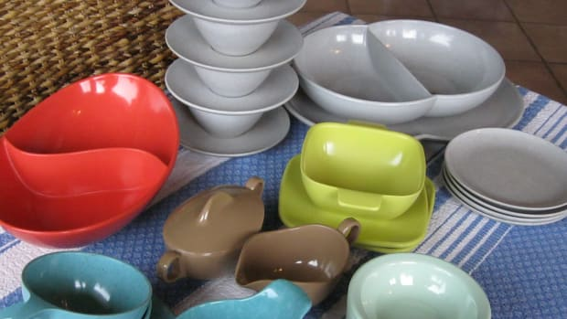 how-to-collect-mid-century-modern-vintage-melamine-dinnerware-of-the-1940s-1970s