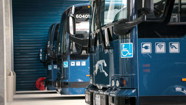 10-mistakes-you-dont-want-to-make-when-riding-the-greyhound-bus
