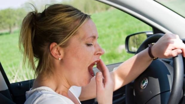 driving-how-to-stay-awake-while-driving-long-distances