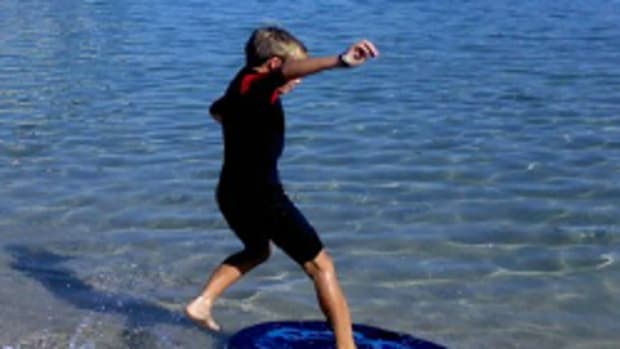 what-is-skimboarding-2