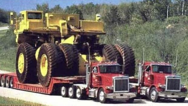 the-largest-dump-truck-in-the-world-cat-797f