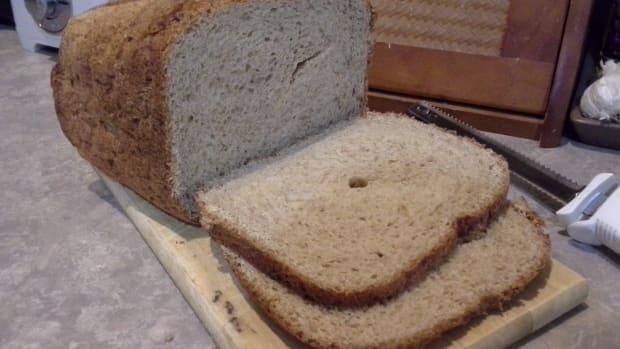 delicious-gluten-free-almond-sandwich-bread