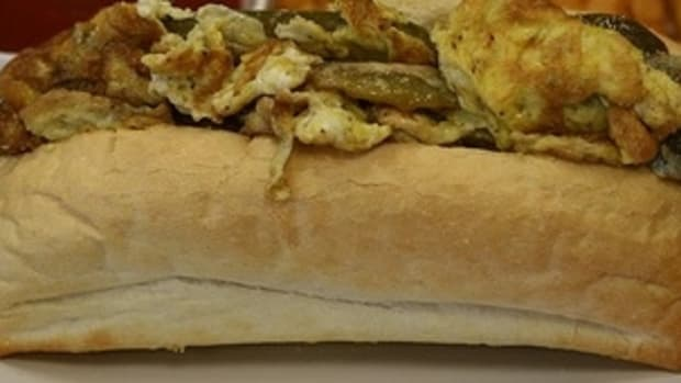 pepper-and-egg-sandwich