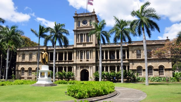 iolani-palace-a-royal-palace-in-america