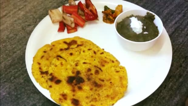 how-to-knead-maize-flour-and-make-makki-ki-roti-authentic-punjabi-recipe
