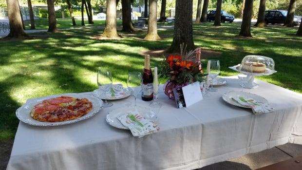 simple-outdoor-birthday-party-ideas