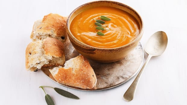 thanksgiving-recipe-sage-pumpkin-soup