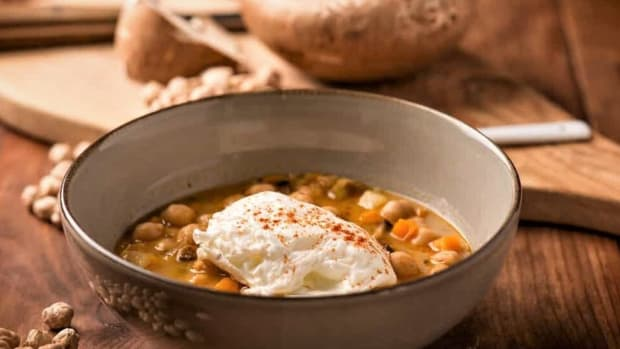 soup-of-chickpeas-and-mushrooms-a-symphony-of-flavors