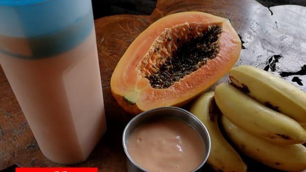 milky-papaya-banana-smoothie