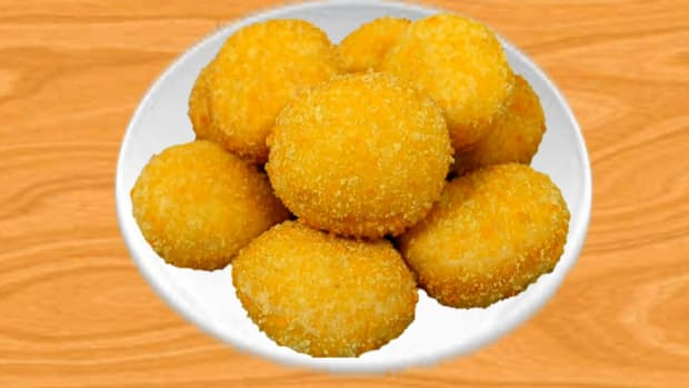 how-to-easily-make-crispy-banana-laddu-at-home