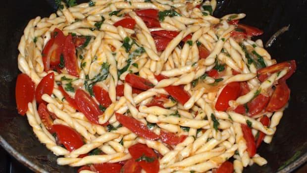 story-of-strozzapreti-pasta-priest-stranglers