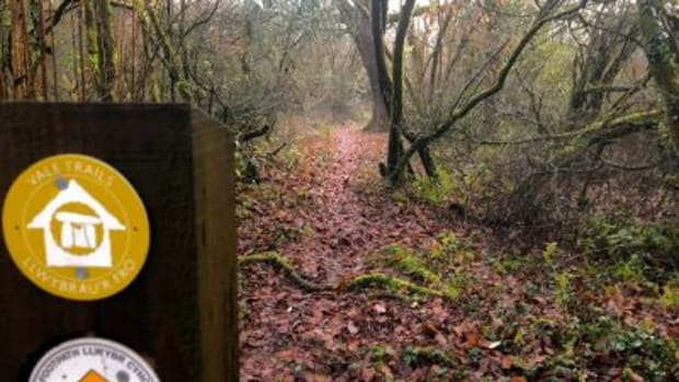 haunted-hike-edwardian-gardens-vale-trail-7-walking-in-the-vale-of-glamorgan