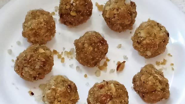 gond-ke-ladoo-edible-gum-sweet-balls