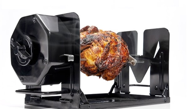 because-everyone-owns-an-oven-theres-the-roto-q-360-rotesseri-cooker