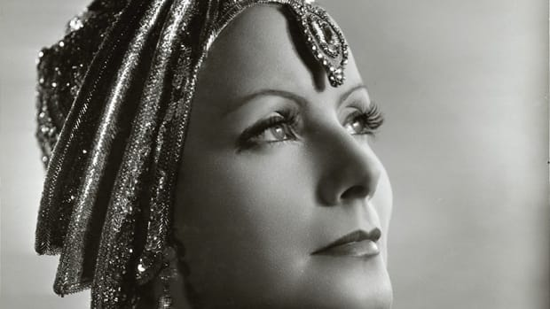 greta-garbo-the-elusive-glamorous-mysterious-actress