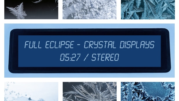 synth-single-review-crystal-displays-by-full-eclipse