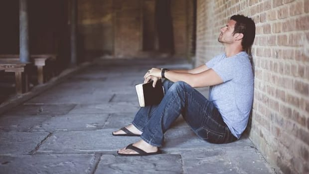 how-to-read-and-understand-the-holy-scriptures-in-five-ways
