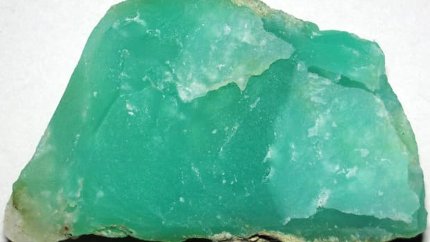 top-5-benefits-of-chrysoprase