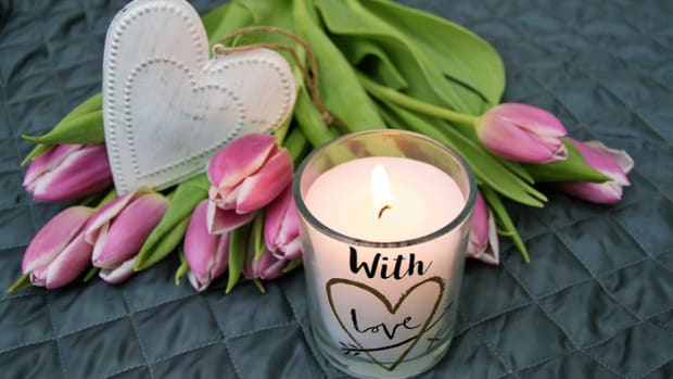best-scented-candles-that-hold-scent-longest