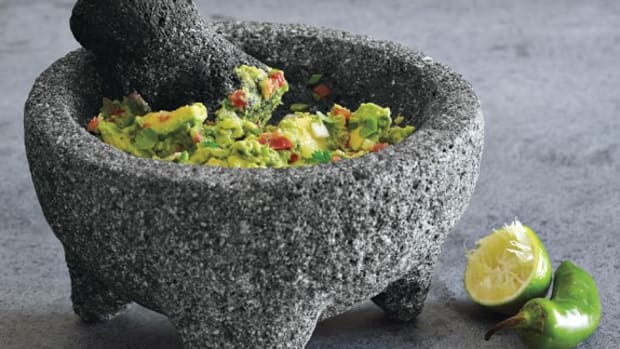 authentic-mexican-guacamole