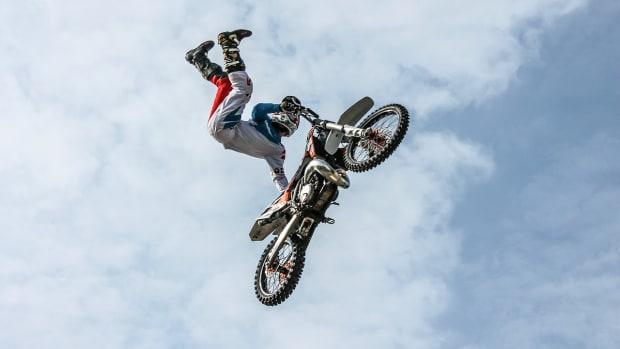 the-most-fatal-daredevil-stunts