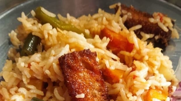 vegetable-pulao-with-fried-bread