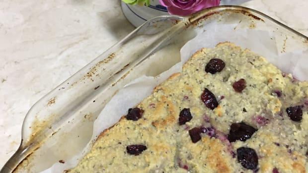 almond-flour-lemon-berry-cake