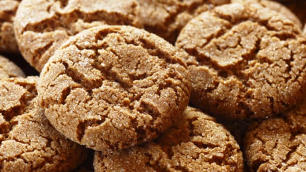 spicy-gingersnap-cookies