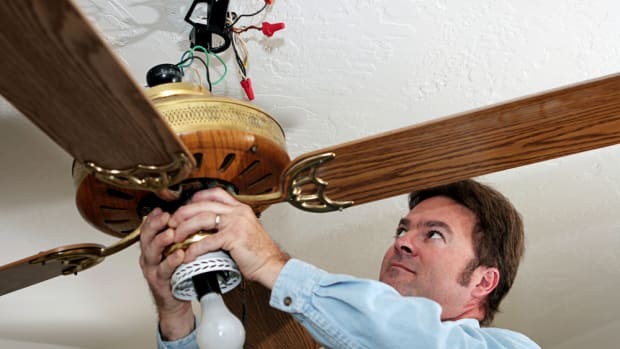 how-to-remove-a-ceiling-fan-in-5-safe-and-easy-steps