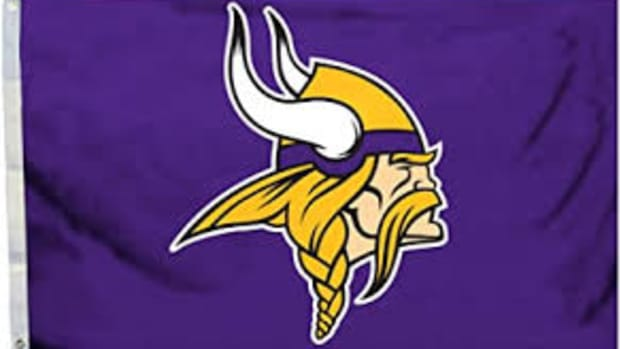 nfl-10-for-10-nick-and-the-vikings