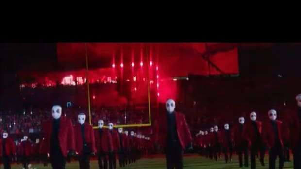 the-weeknd-performs-demonic-super-bowl-half-time-show