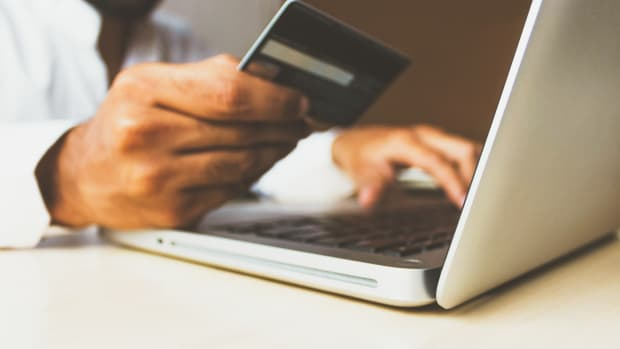the-rise-of-canadian-ecommerce-and-the-impact-on-online-shopping-in-2020