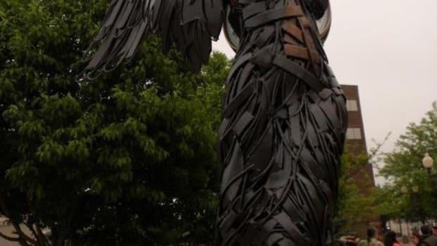 a-unique-sculpture-art-form