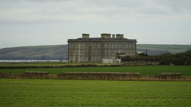 the-legend-of-loftus-hall-irelands-most-haunted-mansion