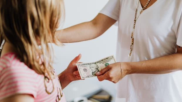 this-is-how-to-teach-kids-about-money-the-8-golden-rules