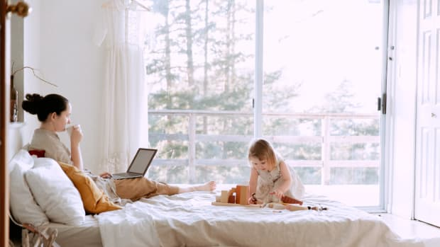 naptime-hustle-surviving-the-first-year-of-motherhood-as-an-entrepreneur