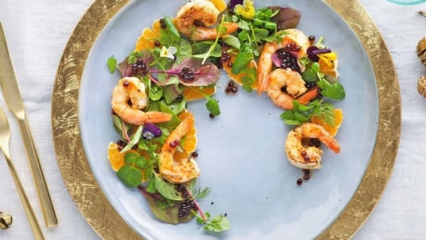 salad-with-shrimp-and-vinegar-pearls