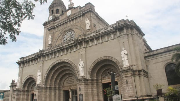 manila-cathedral-romanesque-architecture