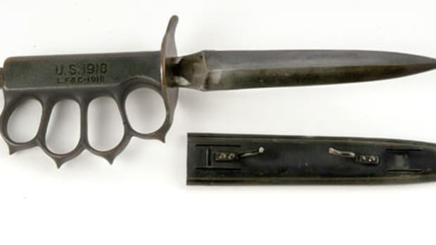trench-knives-are-the-oddest-bladed-weapon-in-modern-warfare