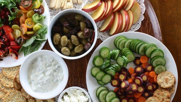 the-perfect-crudite-plate